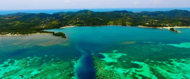 vue-bay-islands-vue-iles-de-la-baie-honduras-bay-islands-view