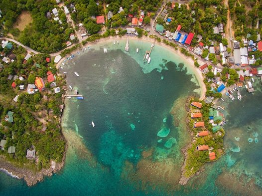 photo-west-end-half-moon-bay-roatan-vue-aerienne-west-end-roatan