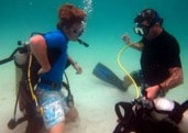 10-Faire-son-divemaster-echange-equipment-stress-test-min