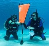 Faire-son-divemaster-search-and-rescue-sac-de-lestage-lift-bag