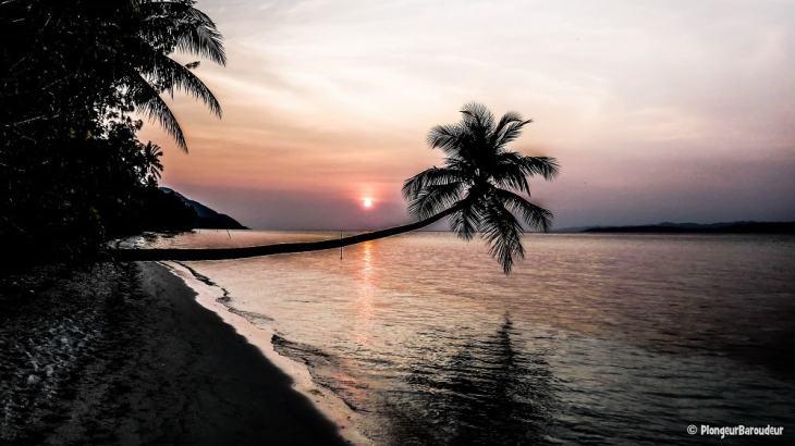 photo11-raja-ampat-Sunset-yenkoranu-min