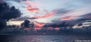 banda sea sunset Manuk 2.jpg